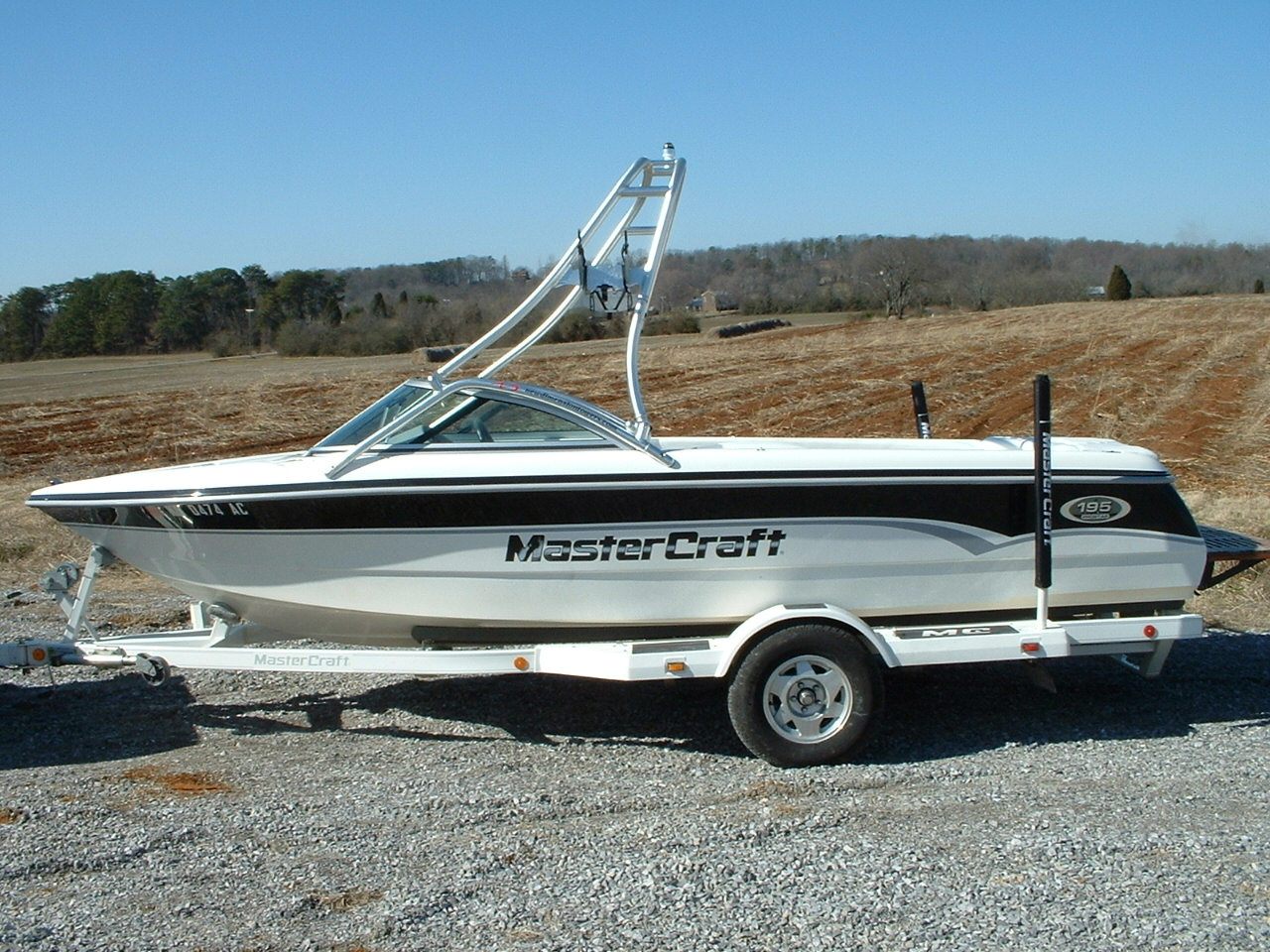 main view of 00 - 01 mastercraft prostar 195 with new dimension towers wakeboard tower