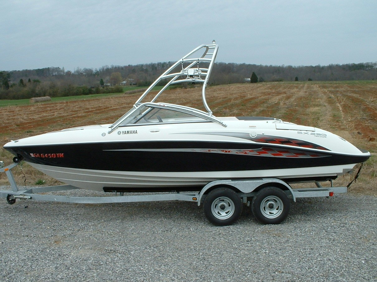 main image of 03 - 06 yamaha sx230 boat with new dimension towers wakeboard tower