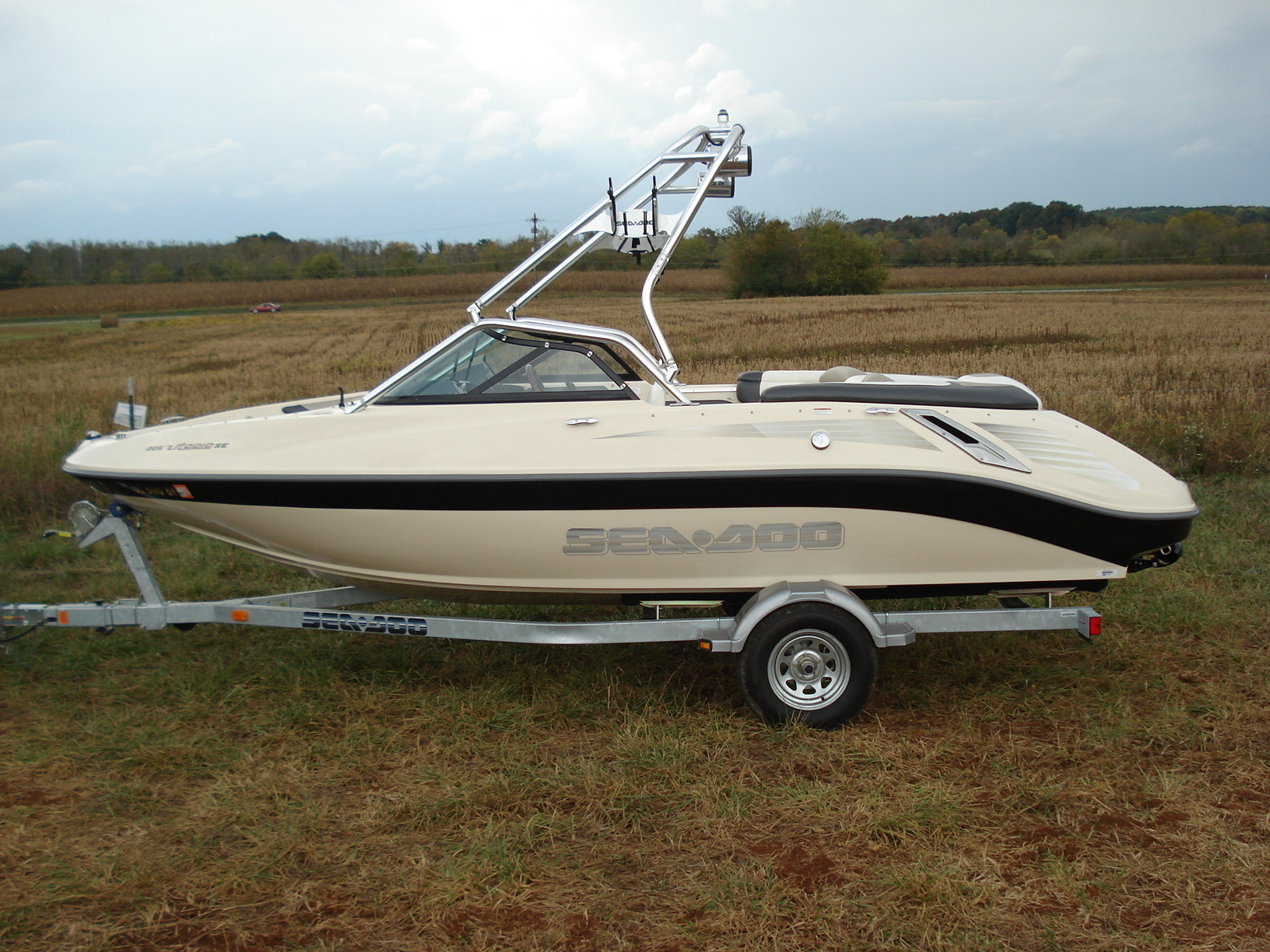 main view of 06 - 07 sea doo utopia 205 with new dimension towers wakeboard tower