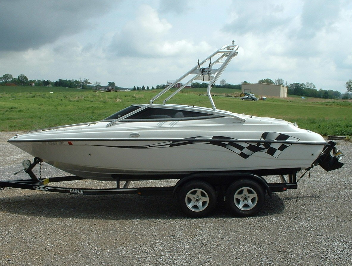 main image of 2002 crownline 202 bowrider boat with new dimension towers wake board tower