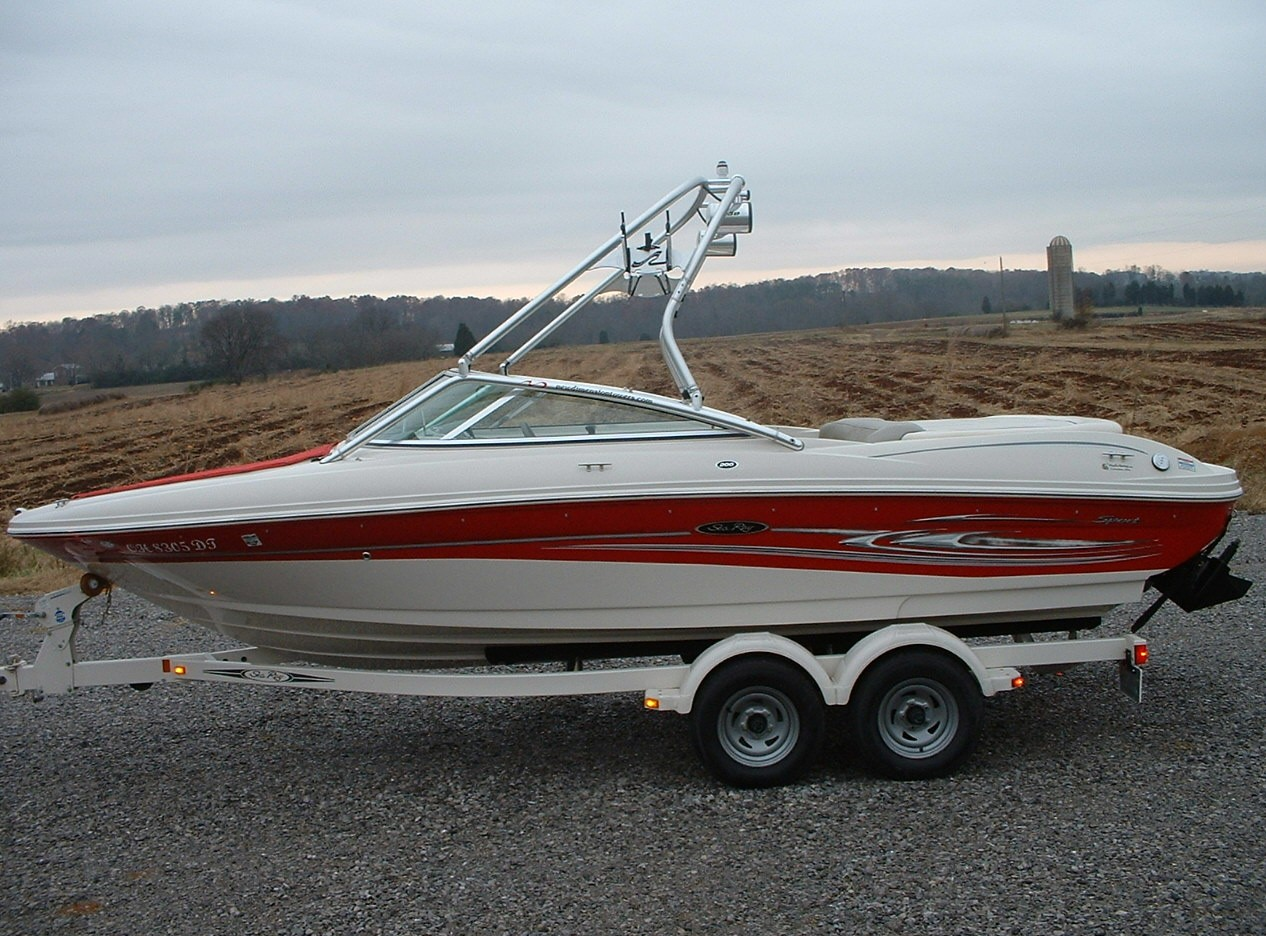 main image of 04 sea ray 200 sport with new dimension tower