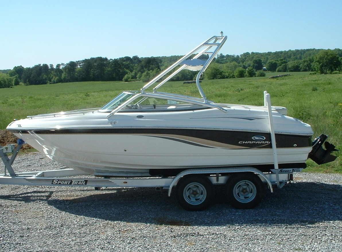 main view of 05 chaparral 204 ssi with new dimension towers wake board tower