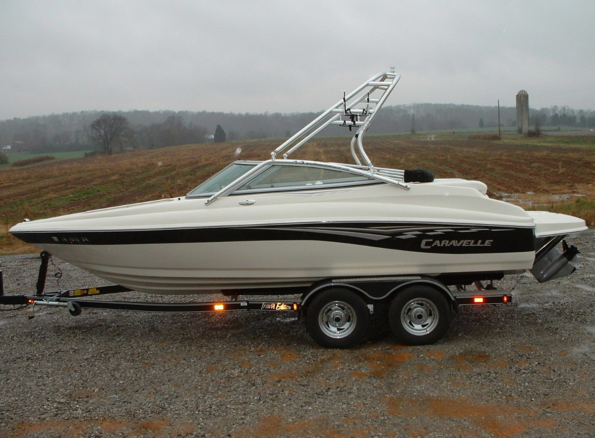 main view of 05 caravelle 207 with new dimension towers wakeboard tower