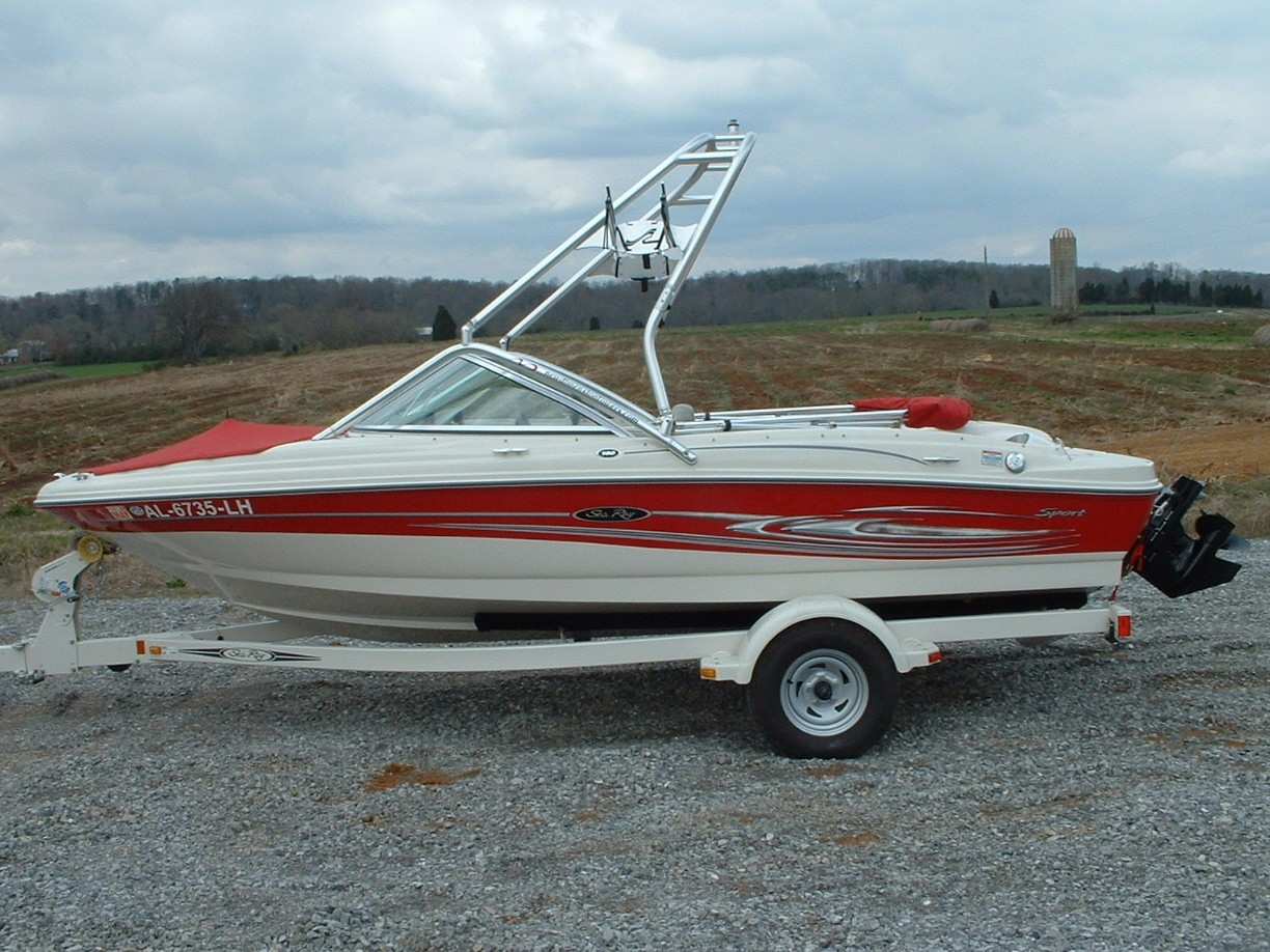 main image of 05 sea ray 180 sport wakeboard boat with new dimension tower