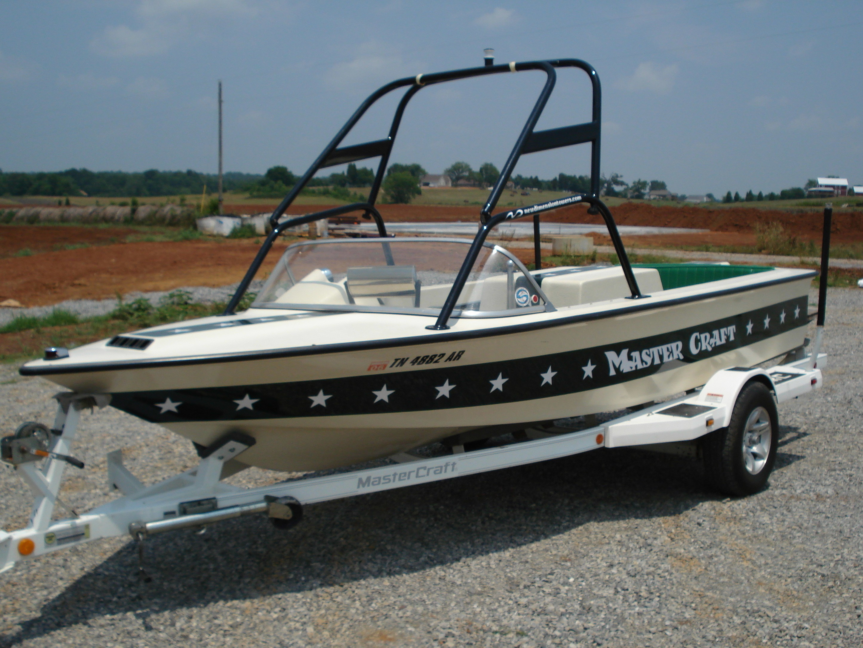 main image of 77 - 85 mastercraft skier