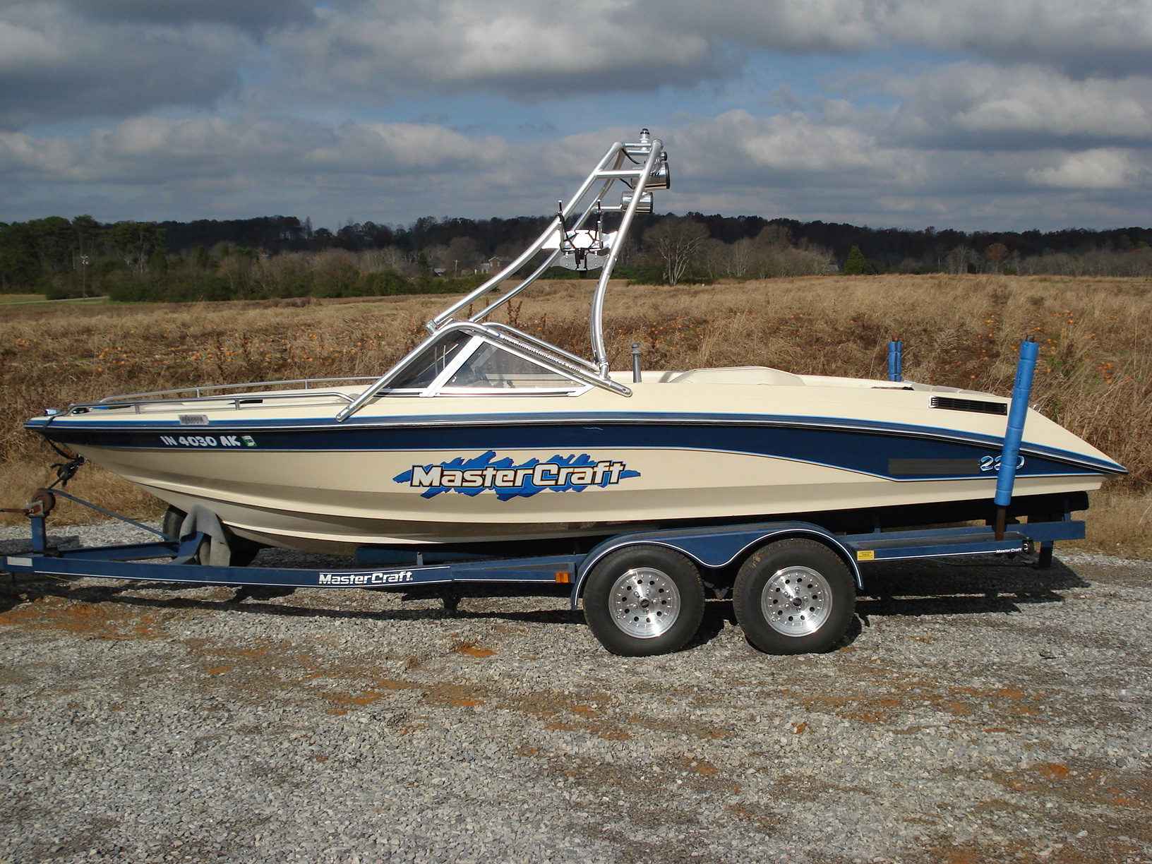 main view of 86 - 91 tristar 220 with new dimension towers wakeboard tower