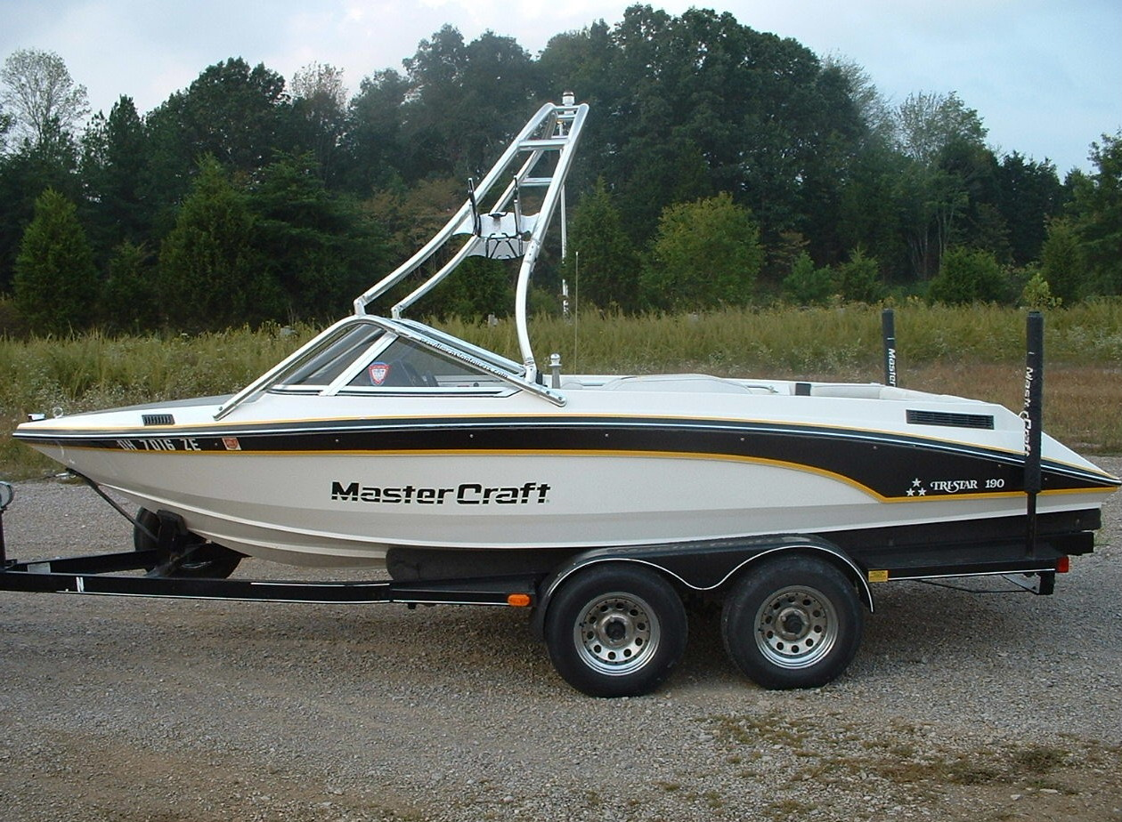 main view of 88 - 91 mastercraft tristar 190 boat with new dimension wakeboard tower