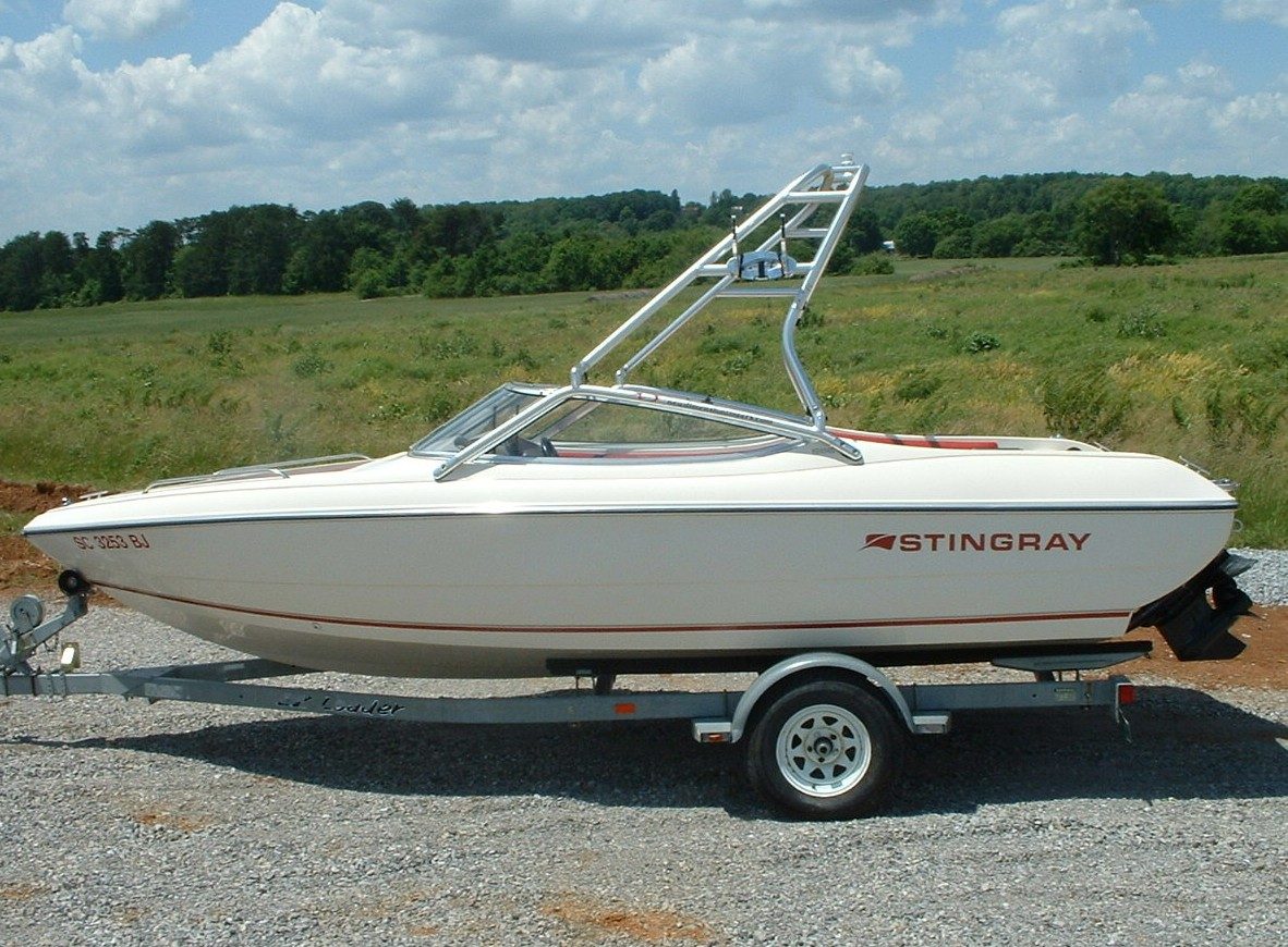 main image of 94 - 96 stingray 586 zp with new dimension towers wakeboard tower