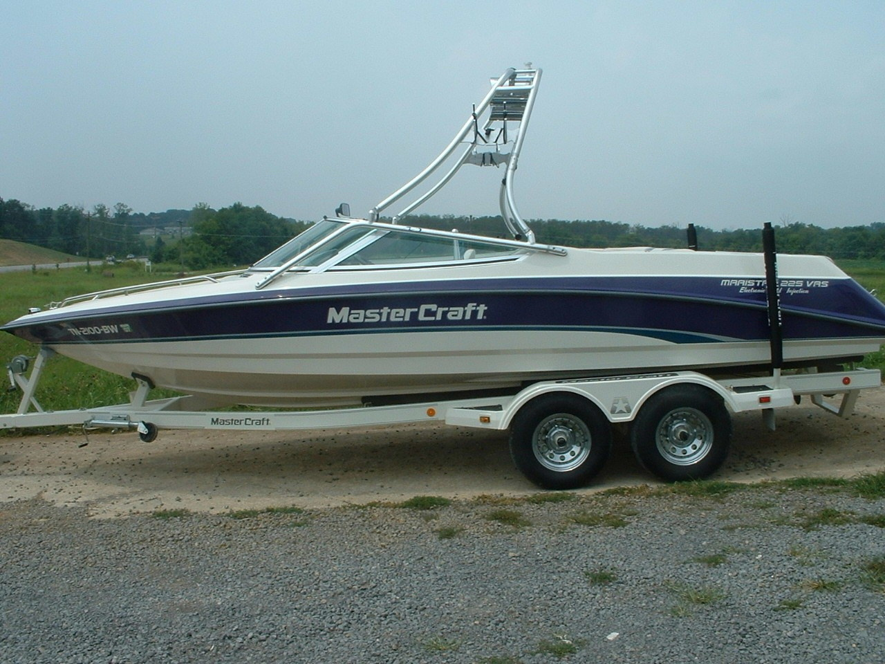 main view of 94 - 97 mastercraft maristar 225 with new dimension towers