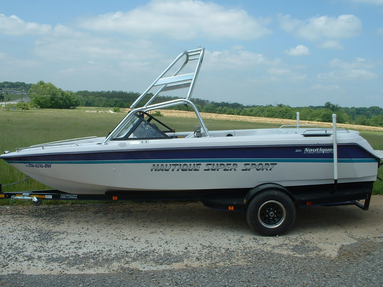 main view of 95 - 01 super sport nautique with new dimension towers wake board tower