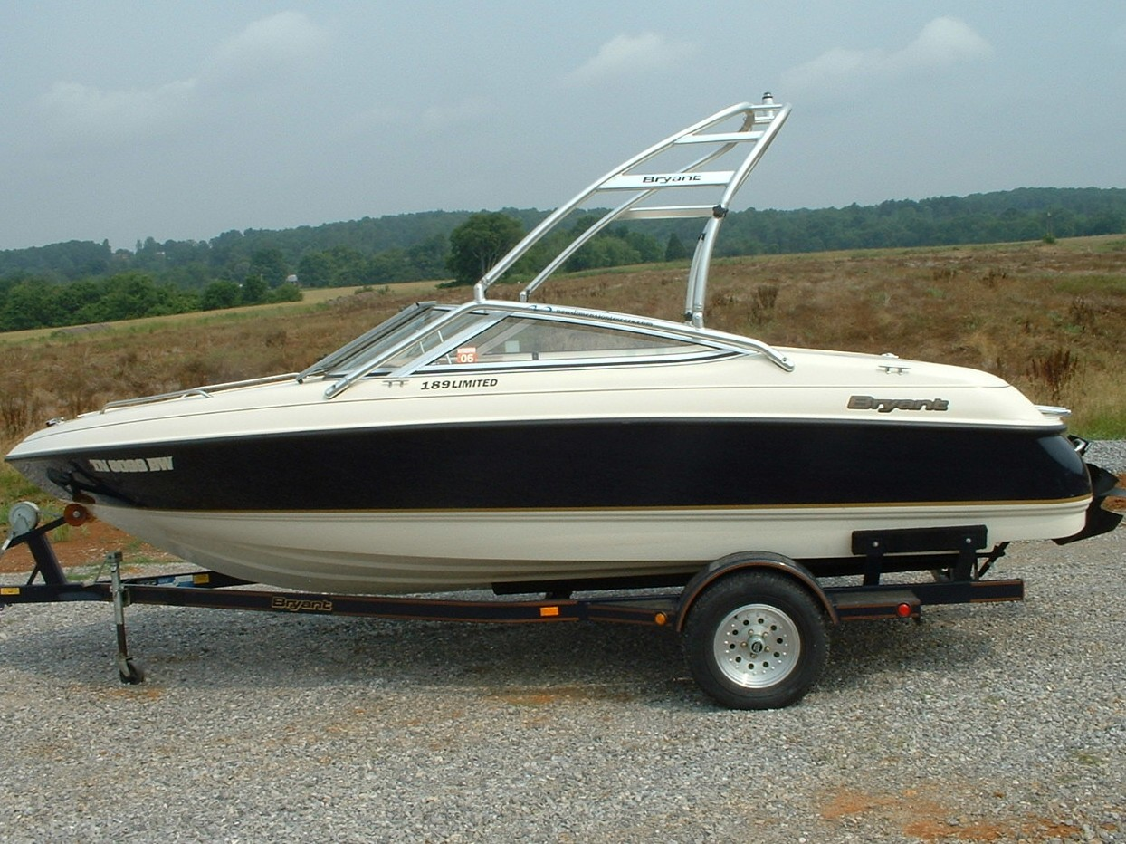 main image for 1995 Bryant 189 bowrider wake board boat with new dimension tower