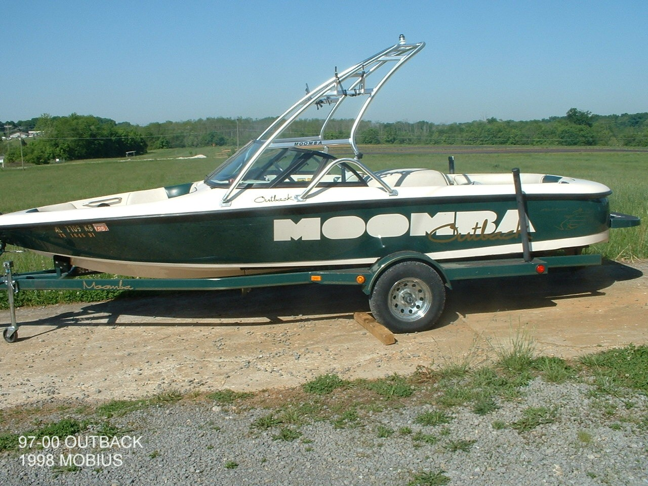 main view of 97 - 00 moomba outback with new dimension towers