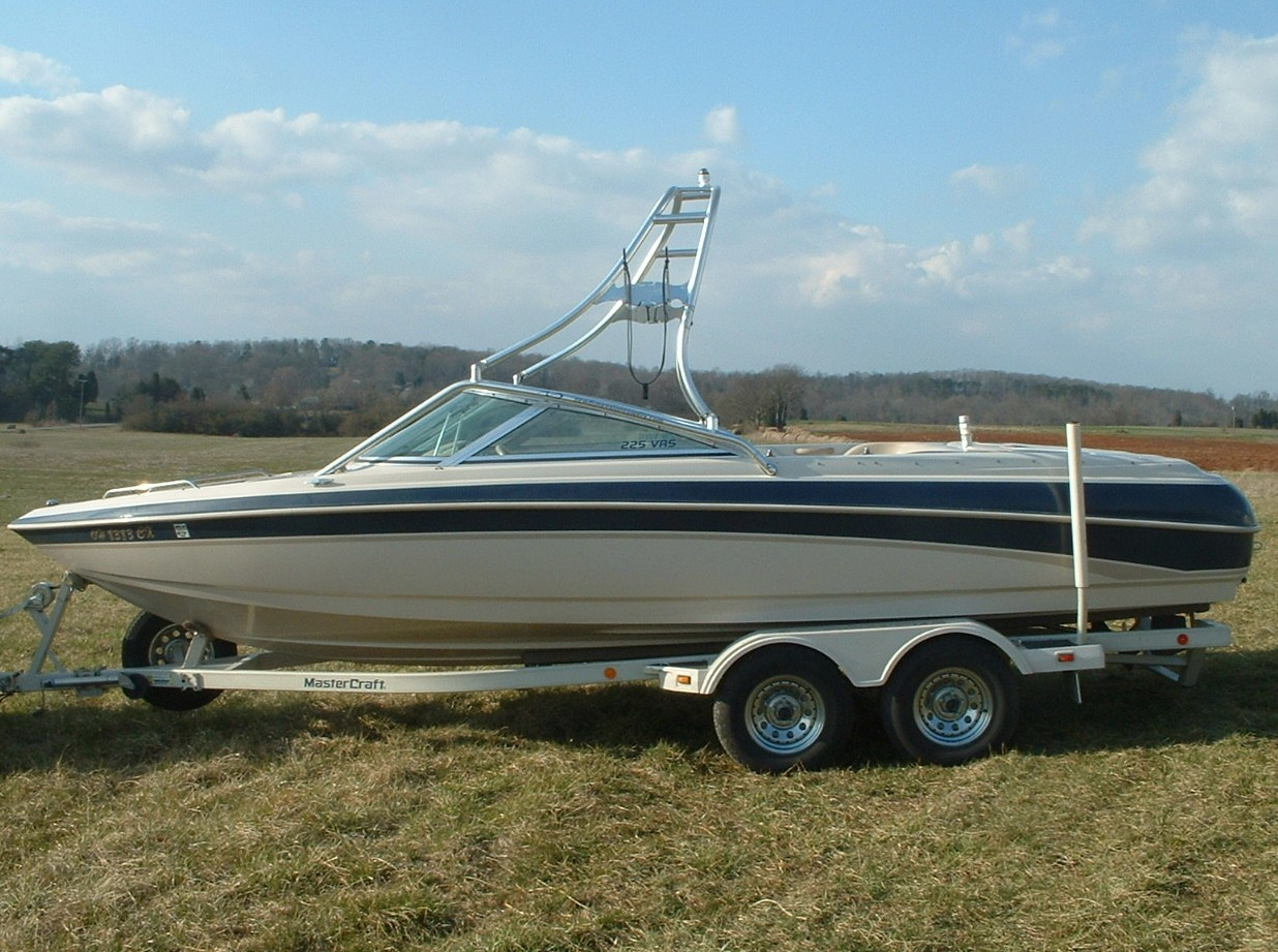 main view of 98 - 99 mastercraft maristar 225 VRS with new dimension wakeboard tower